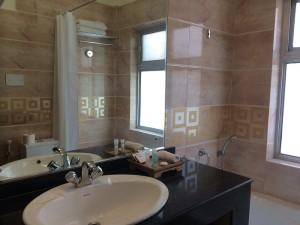 doubleroom bathroom